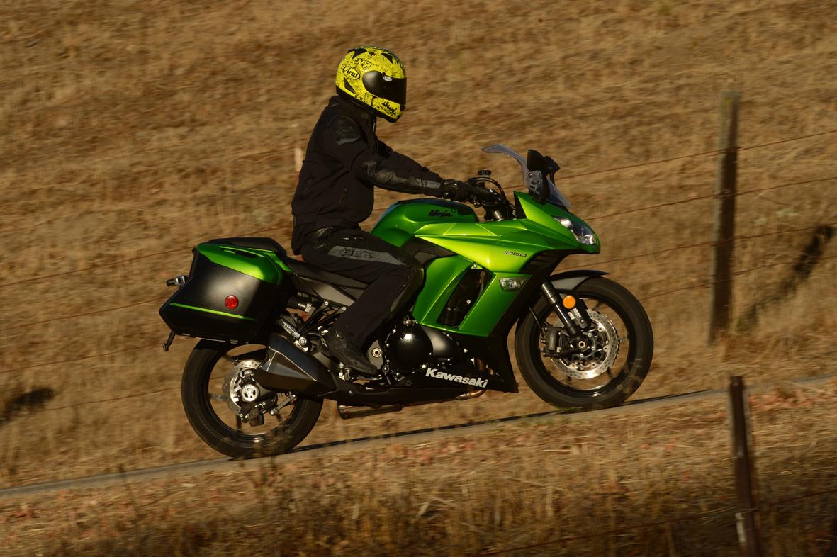 Kawasaki Ninja 1000 First Ride Review Video - MotoGeo